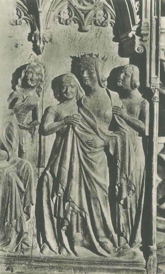 """Drottningen av Saba klädd i mantel och surcot overt. Hovdamerna är också iklädda surcot overt. Korstol från Lunds domkyrka. Efter Ewert Wrangel, """"Korstolarna i Lunds domkyrka"""" (1930)."""