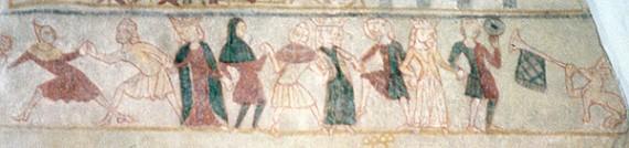 Förnäma damer i surcot overt. Kalkmålning i Ørslevs kyrka, Slagelse, Danmark. Foto: PrixeH/Wikipedia.