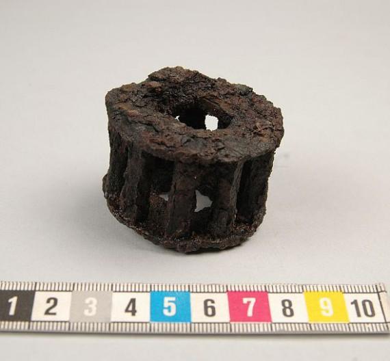 Gånghjul till klocka hittat i Gudhems kloster i Västergötland, SHM 23950:1929:205. Foto Sanna Stahre.
